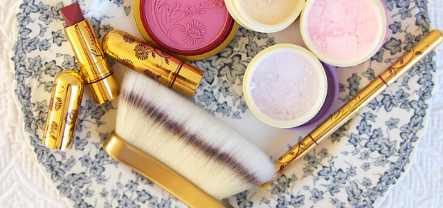 Go for the Glow with Beauty Must-Haves